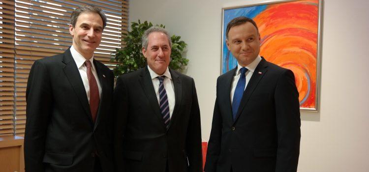 (L-P) Ambasador Paul Jones, ambasador Michael Froman, przedstawiciel USA ds. handlu, prezydent RP Andrzej Duda
