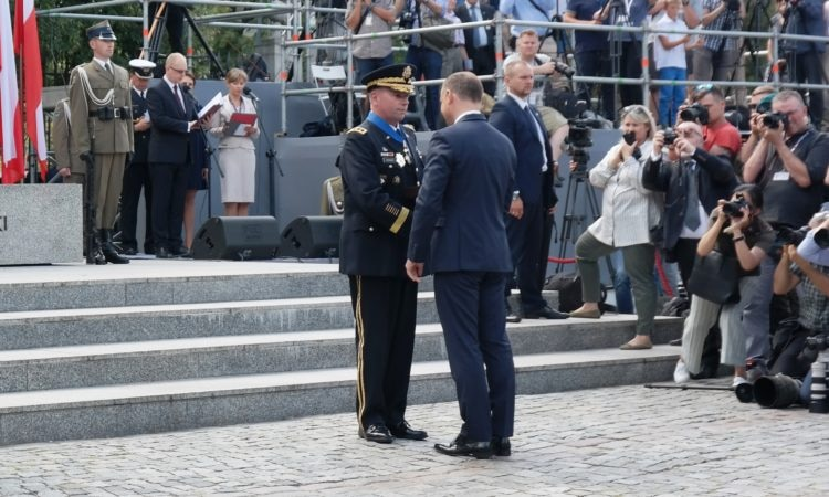 LTG Hodges Receives Commander's Cross from President Duda