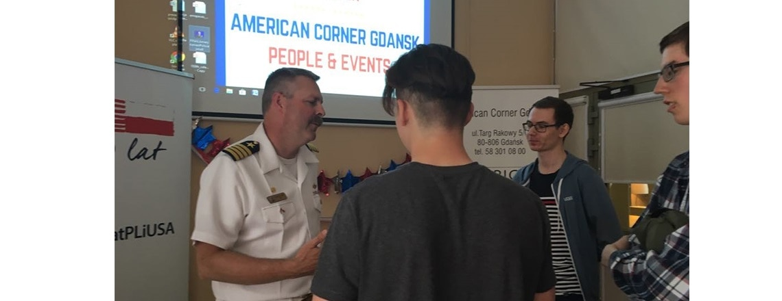 Captain Scott McClelland Visits American Corner in Gdańsk